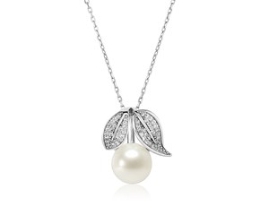 Sterling Silver Pendant with Leaves and Freshwater Pearl